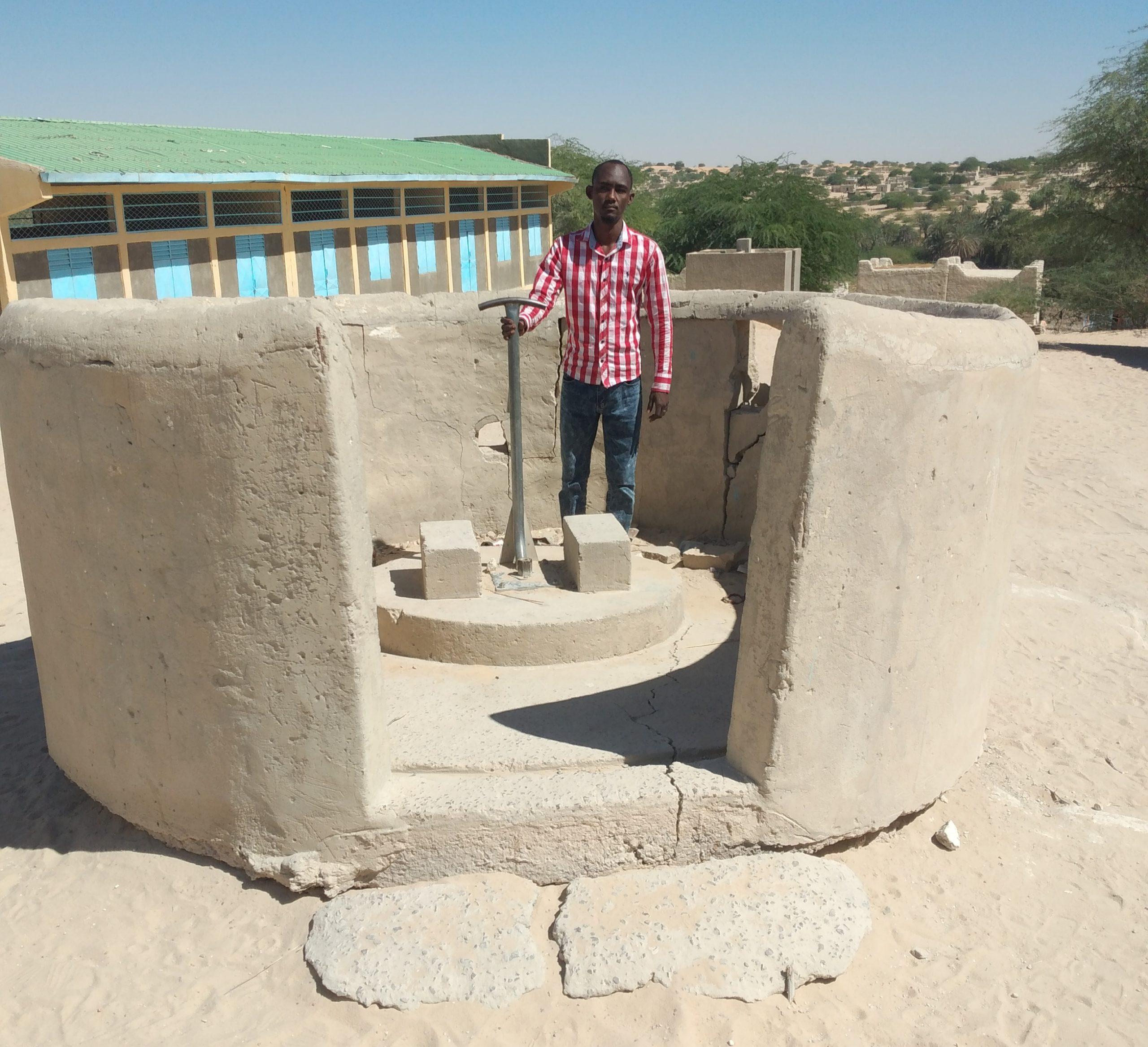 A Mao, 1.245 élèves de la première école du Tchad manquent d'eau potable. Un appel aux dons est lancé pour construire un château d'eau.